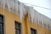 Наряжение зданий,  чистка снега,  сосулек,  снегоотопительная система по программе «ЗИМА ниПОЧЕМ»