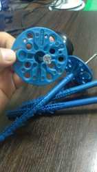 крепеж пластиковый дюбель зонтик